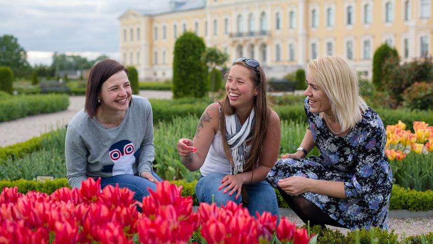 NEW! Riga → Vilnius Sightseeing Tour Bus